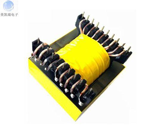 EE55高频变压器的特点 EE55高频变压器具有窗口面积大、绕制方便,价格适中,可靠性高的特点。EE型变压器是基本型的铁氧体磁芯,性能稳定,成本低,电流大。广泛应用于电源转换和线路滤波。体积由小到大,满足各种应用电路的需求。 如使用耐温155或180聚安脂漆包线,可满足不同的温度条件,适用于各种开关电源及逆变器,UPS等。 四.